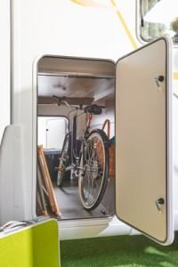 un camping car de moins de 7 m tres t moignage. Black Bedroom Furniture Sets. Home Design Ideas